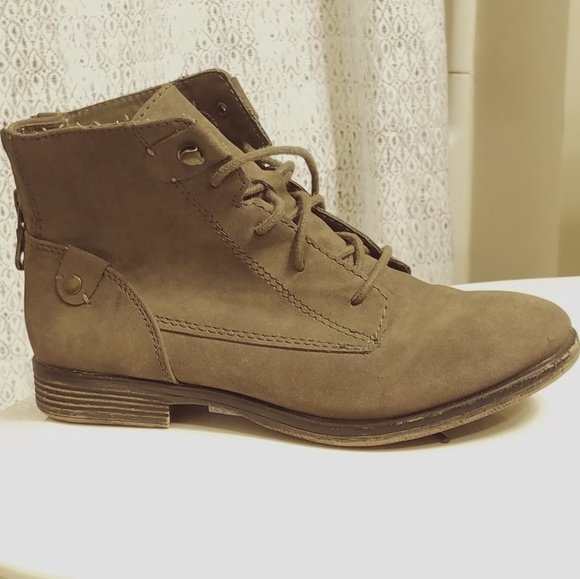 999ac335f4a9 Crown Vintage Olive Green Brown Lace-up Booties